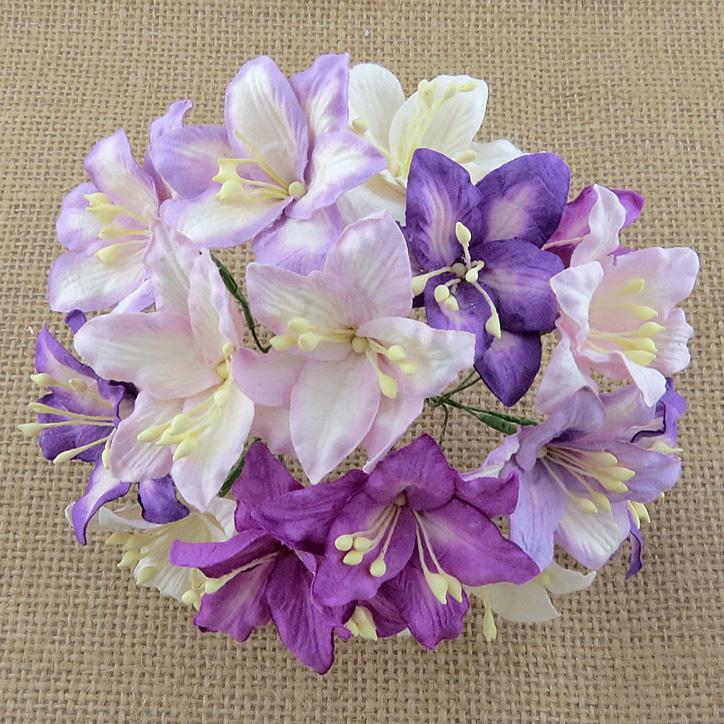http://scrapkowo.pl/shop,kwiaty-lilie-mix-filletowe-5szt,4806.html